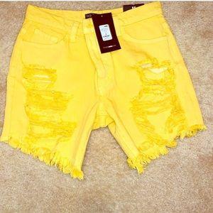 💛💛 Fashion Nova yellow shorts 🐥